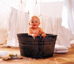 купание в детской ванночке