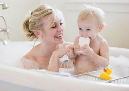 ванна с мамой