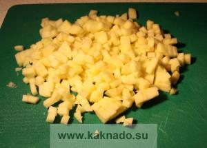 рецепт бессолевого салата с яблоком, авокадо и куриным филе