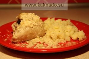 курица, запеченая в сметанно-чесночном соусе без соли
