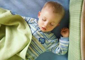 во сколько вы укладываете ребенка спать