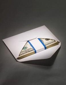 платили ли вы воспитетелю деньги в конверте