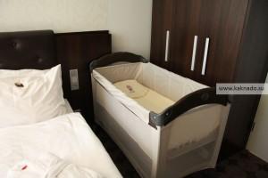 отель амбассадор калуга отзывы, где остановиться с ребенком в калуге, детская кроватка в номере
