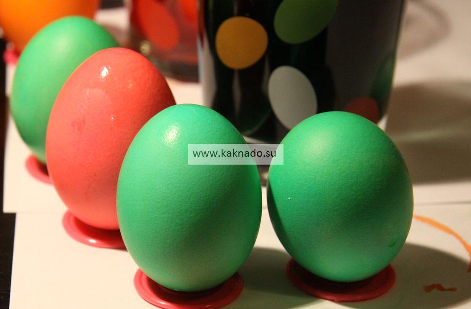 как покрасить яйца на Пасху с маленьким ребенком