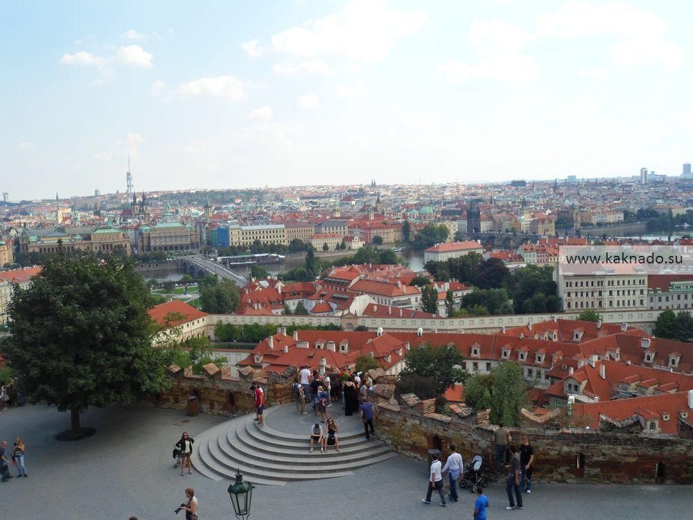Вид на Прагу с Пражского Града